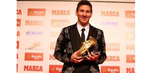 Messi ontvangt zijn zesde European Golden Boot Award en wordt de eerste persoon in de geschiedenis