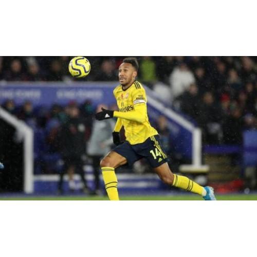 Arsenal Feng Wang heeft de verlenging van het contract uitgesteld, hij wacht op Barcelona om hem te kopen.