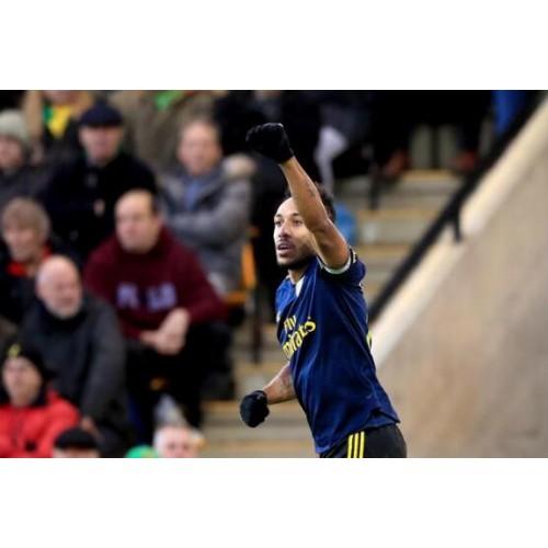 Premier-League-Aubameyang-dubbel-gescoord-Arsenal-2-graden-achter-2-2-gelijkspel-6-overwinningen